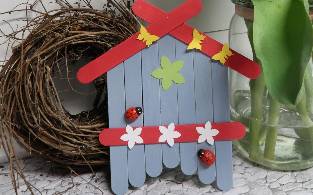 Vogelhaus aus Holzspatel